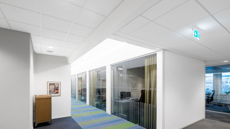 NCC kontor i Jönköping,Sweden,Jönköping,3.600 m²,Arkitekthuset i Jönköping,Västerhuset AB,Akustik & Montage AB,Ola Österling,Office,Rockfon Krios dB42,E-edge,600x600,white,Chicago Metallic™ T24 Click 2890